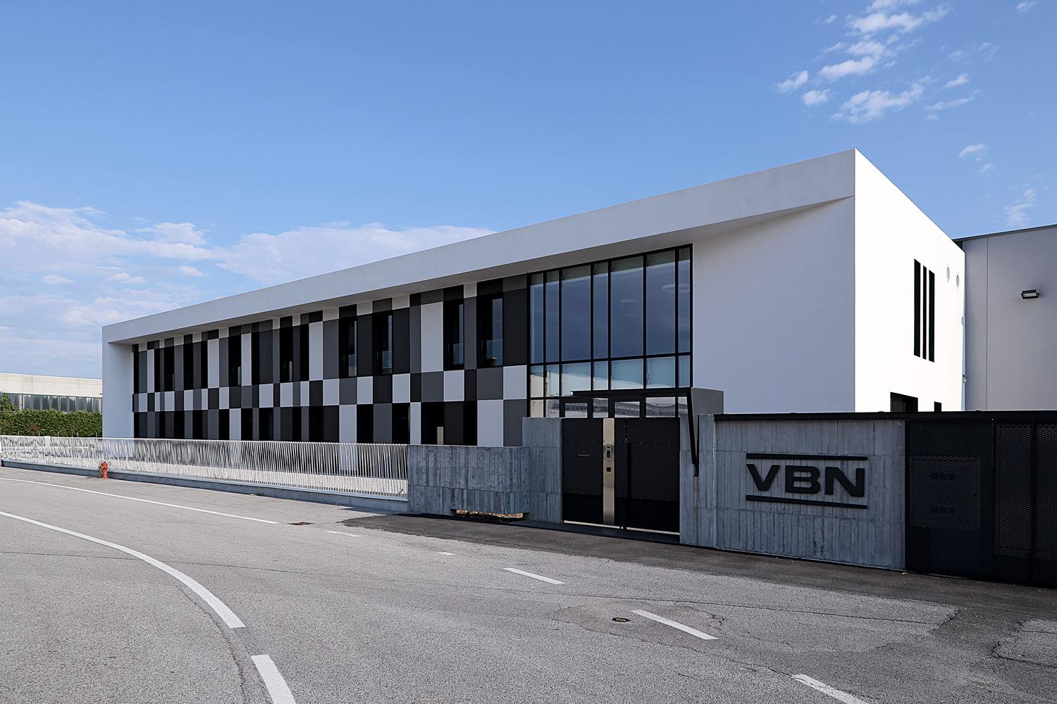 VBN HEADQUARTERS: Photo 22